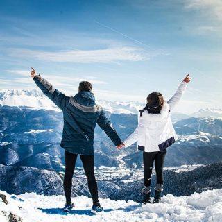 📍Col Vert, Villard de Lans  Aujourd'hui on vous partage une de nos belles découvertes du Vercors : le Col Vert. La randonnée qui permet d'y accéder grimpe pas mal à la fin, mais la vue sur les Alpes a l'arrivée recommence largement les efforts fournis.   Vous aimez randonner ? Quelle est la plus belle randonnée que vous avez faite ? 😀 . . . #colvert #isere #iseretourisme #villarddelans #villarddelans_correncon #montagne #vercors #vercorstourisme #auvergnerhonealpes #auvergnerhonealpestourisme #rhonealpestourisme #alpes #massifdebelledonne #blogvoyage #voyage